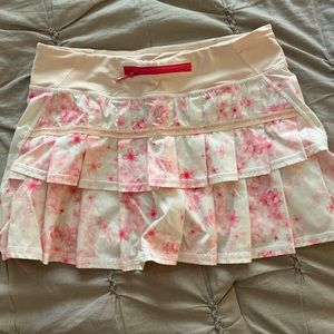 Lululemon tennis/ running skirt Size 6